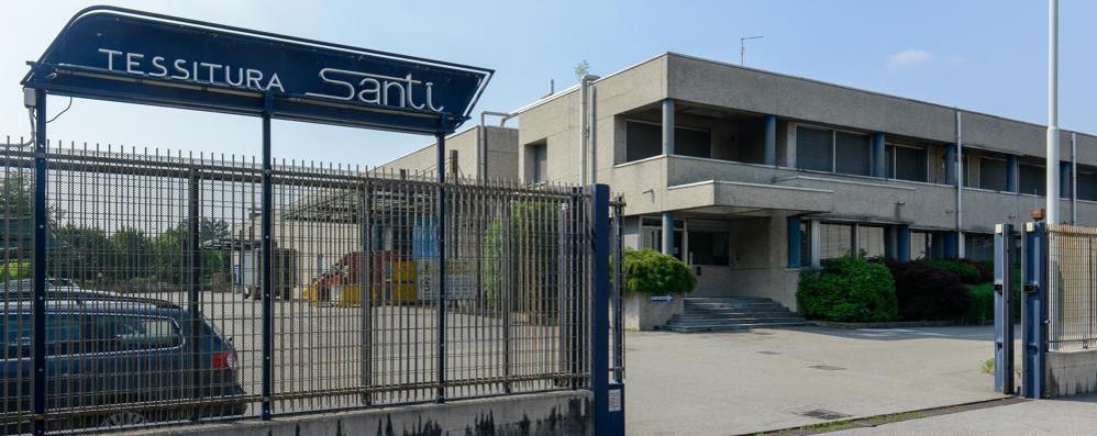 Tessitura Luigi Santi  L'accordo per l'affitto  salva i posti di lavoro