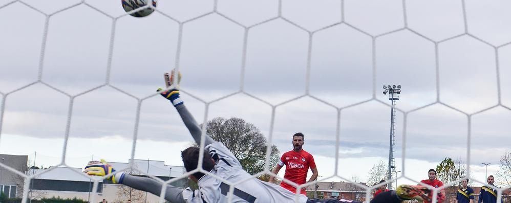 Il Como passa a Inveruno  Decide gol di Sentinelli