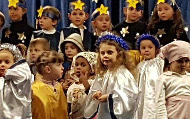 Recita di Natale senza Gesù Bambino?  La scuola: «C'è in tutte le altre iniziative»