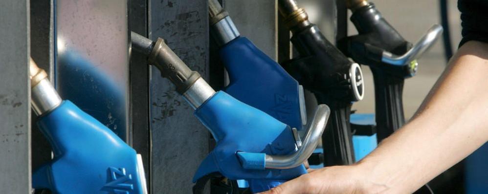 Confesercenti sul prezzo della benzina   «A Como speculazioni delle compagnie»