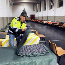 Como, l'allarme della Caritas: 150 persone escluse dai dormitori