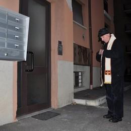 Truffe, psicosi porte chiuse a Cantù  «Almeno aprite per le benedizioni»