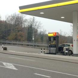 Arrestato in Svizzera subito dopo il colpo  Il rapinatore ha 61 anni, è di Cadorago