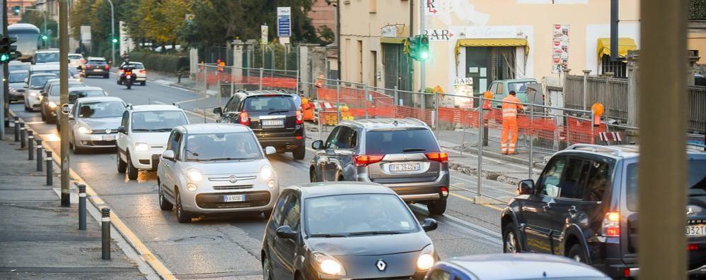L'idea anti-traffico:  «Modificare piazza Camerlata»