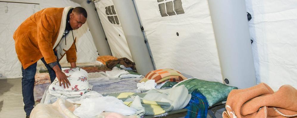 Val Mulini, via il campo  Migranti trasferiti  al Cardinal Ferrari