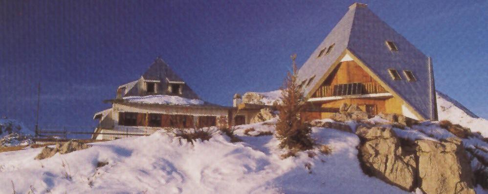 Scivola per 150 metri nella neve grave escursionista di for Piani di costruzione di storage rv