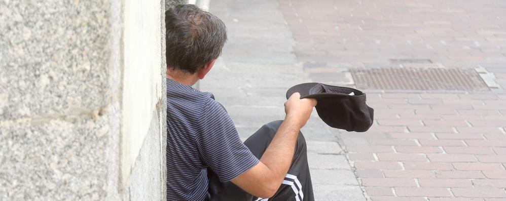 «Mendicanti e senzatetto via dal centro storico per 45 giorni»  L'ordinanza del sindaco