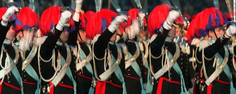 Posta barzelletta su Facebook  Casalinga denunciata dai carabinieri