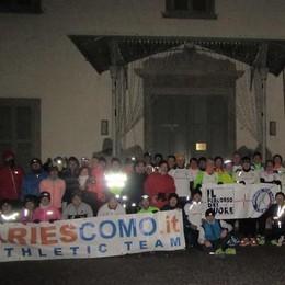 Corsa in notturna a Como «Claudio ci ha illuminati»