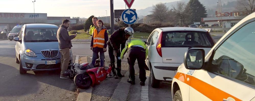 Erba, contro auto-scooter Il ferito di Albavilla