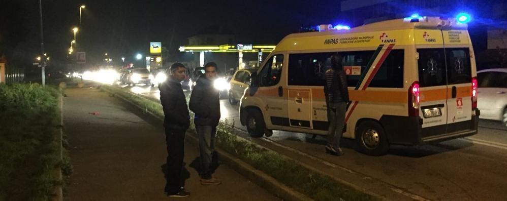 Viale Lombardia, incidente e caos  Appello a Mariano: «Via i cordoli»