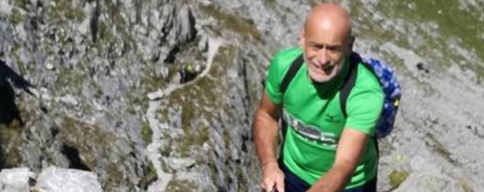 Lavori nella casa del figlio a Lipomo  Malore improvviso, muore a 58 anni