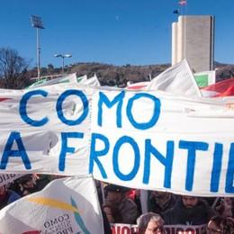 Como, migliaia in piazza per la manifestazione del Pd  Ordine pubblico, tutto ok  Le interviste: Pinotti, Boldrini, Orlando
