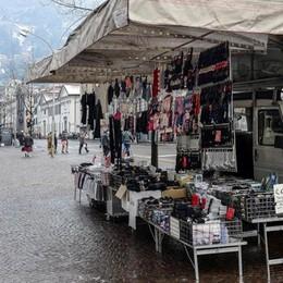 Mercato, l'Unione europea  toglie il sonno agli ambulanti