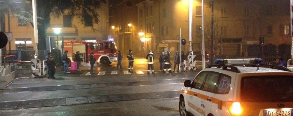 Lomazzo, donna muore  travolta dal treno