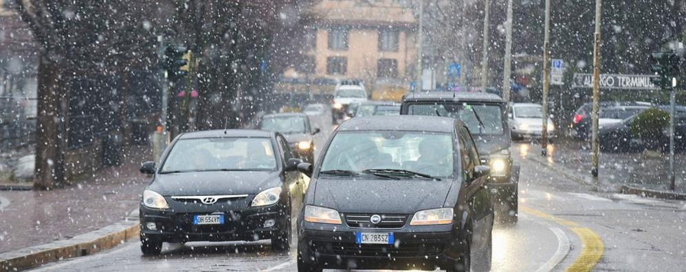 Allerta sulle strade  È arrivata la neve