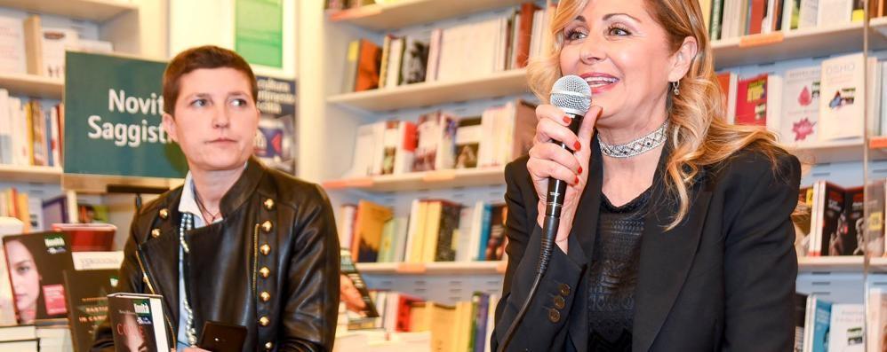 La mamma di Chiara Ferragni a Como per il suo libro