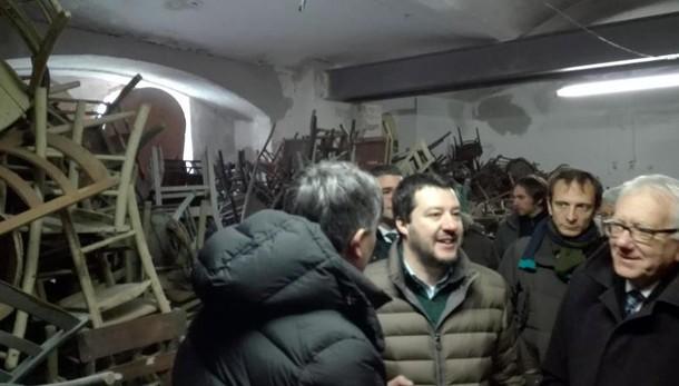 Salvini, Ddt contro collettivi zecche