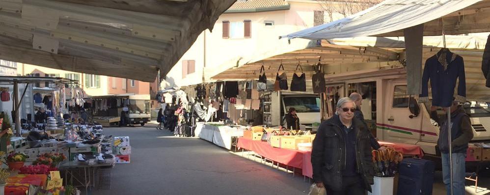 Mercato, mazzata anche a Erba  «Paghiamo per salvare il posto»