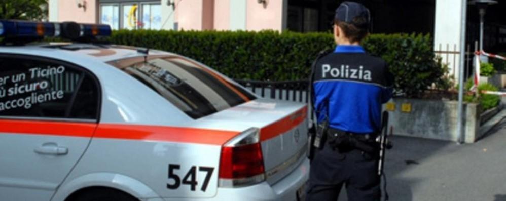 Permessi in cambio di tangenti  Ticino, arrestati 3 dipendenti pubblici