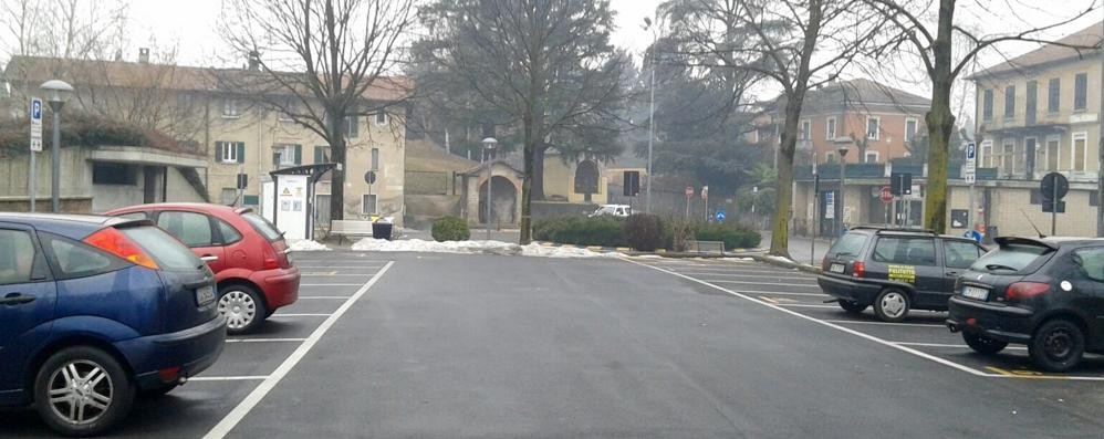 Danni alle auto in sosta  Caccia al vandalo di Cagno