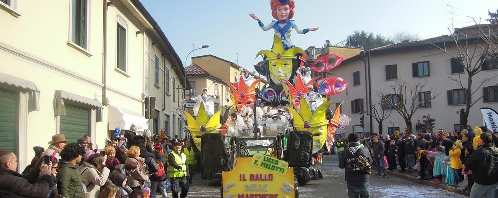 Il Carnevale di Cantù  ha  già fatto il pienone