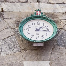 Orologio di Porta Torre Lancette ancora ferme