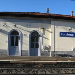 Stazione restaurata ma senza biglietteria  Trecento firme per Cucciago-Fino