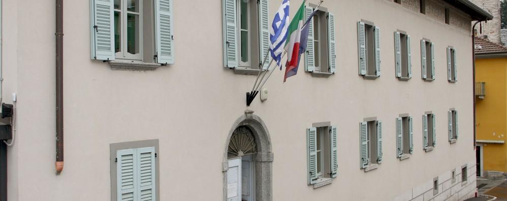 Guardia di finanza in municipio  Due indagati a Tremezzina