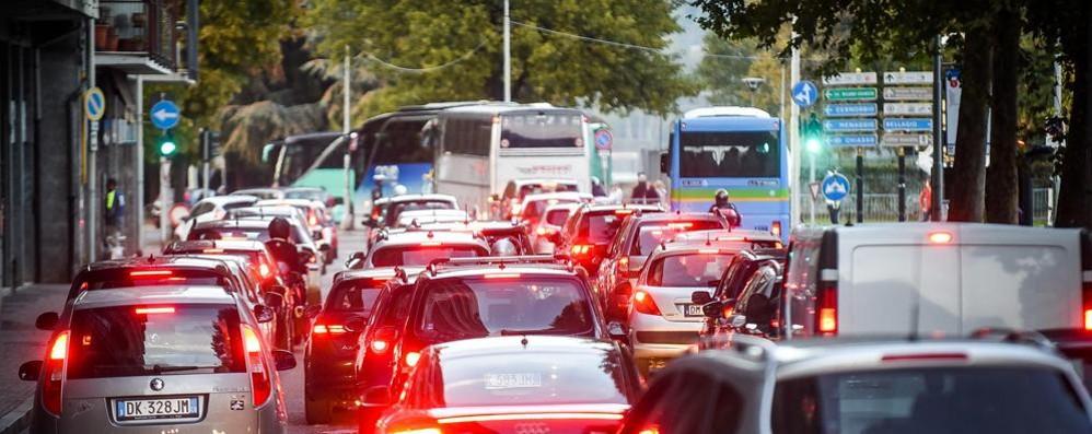 Piano del traffico, le categorie rilanciano  «Autosilo lungo le mura e alla dogana»