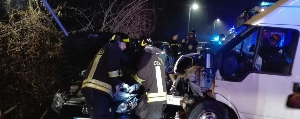 Incidente tra auto e furgone Ambulanze a Senna Comasco