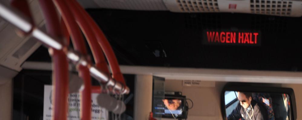 """Autobus alla tedesca  E lo stop in Brianza  diventa """"wagen halt"""""""