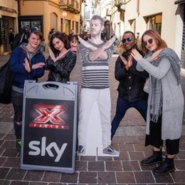 «Inseguiamo un sogno» Aspiranti rockstar al provino di X Factor