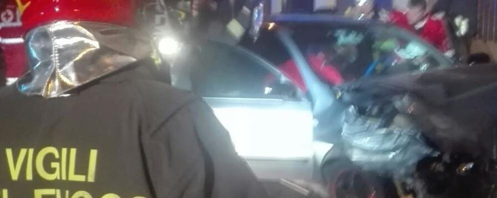 Como, tre ragazzi  feriti in un incidente