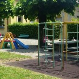 Tremezzina, via i giochi dall'asilo  I genitori: «Vogliono chiudere la Kramer»