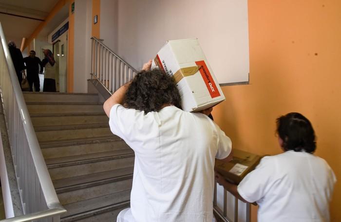 Como Ospedale Sant'Anna via Napoleona monoblocco, tutti gli ascensori bloccati la gente costretta a prendere le scale,