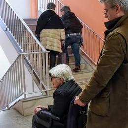 Vecchio S.Anna, ascensori ancora fermi «Sensori per evitare il sovraccarico»