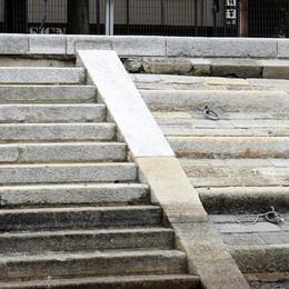 Lungolago, i lavori provvisori  Con Sacaim braccio di ferro in tribunale