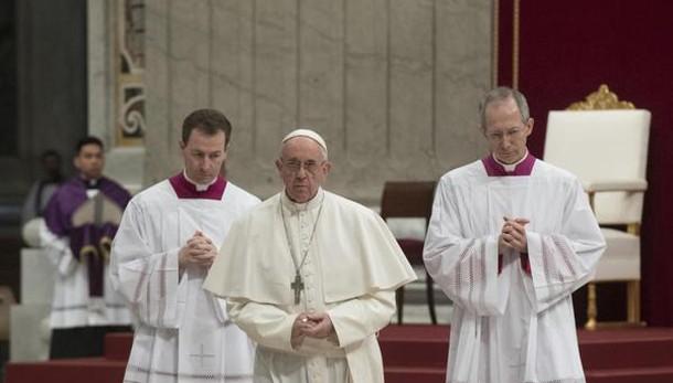 Papa, carrierismo è vera peste Chiesa