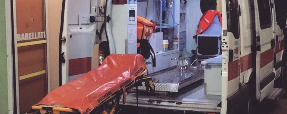 Ciclista in arresto cardiaco  Soccorso, è in rianimazione