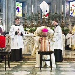 La prima processione   del nuovo vescovo