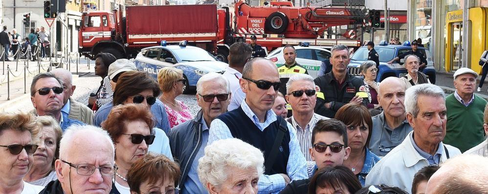 Processione del Crocifisso:  i camion dei pompieri  contro il rischio attentati