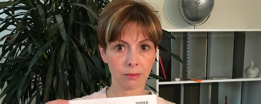 Paga 10 centesimi in meno di multa  Ora il Comune le chiede 211,50 euro