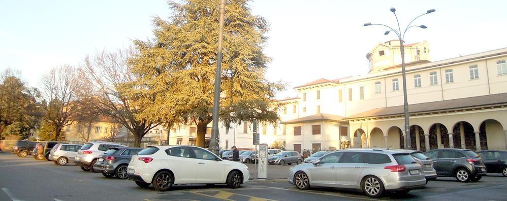 Cantù centro, sorpresa parcheggi  Ogni giorno ce ne sono 230 liberi
