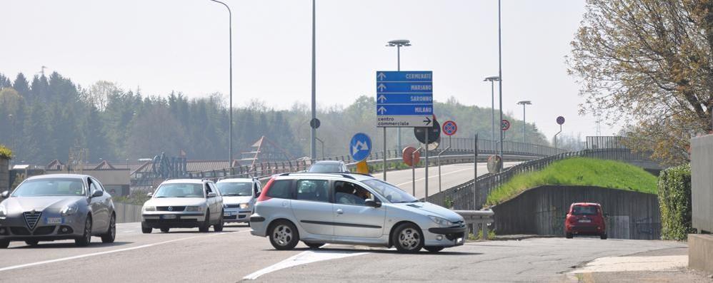 Svolte proibite e vie contromano  Ecco i furbetti della guida a Cantù