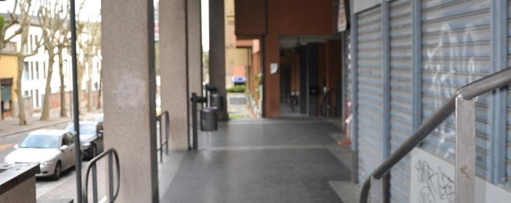 Ubriachi e vandalismi a Cantù  Danni anche in viale Madonna