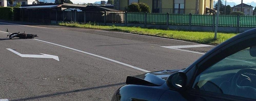 Scontro auto moto a Limido  Ragazzo di 16 anni in ospedale