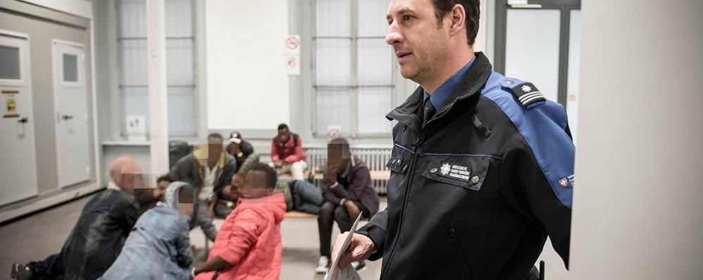 Migranti, assedio ai valichi  Attesi 30mila nuovi arrivi