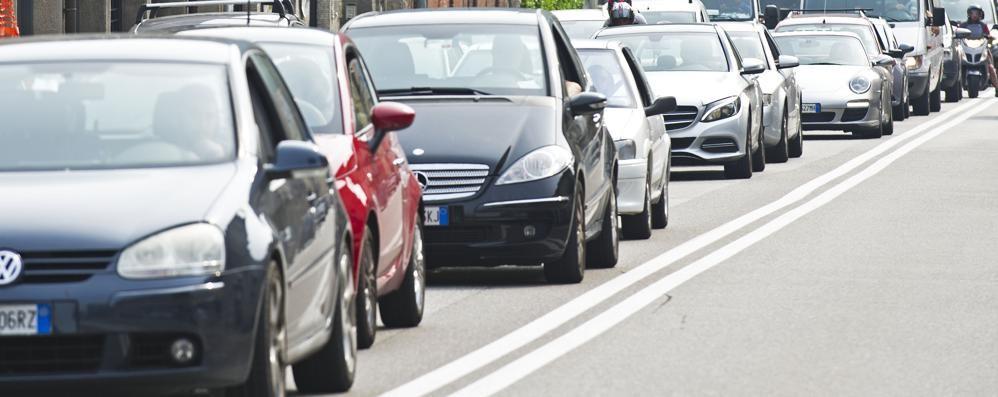 Como, scontro in Napoleona  disagi per il traffico