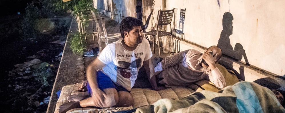 Como, stranieri e clochard  Viaggio nella notte dei senzatetto